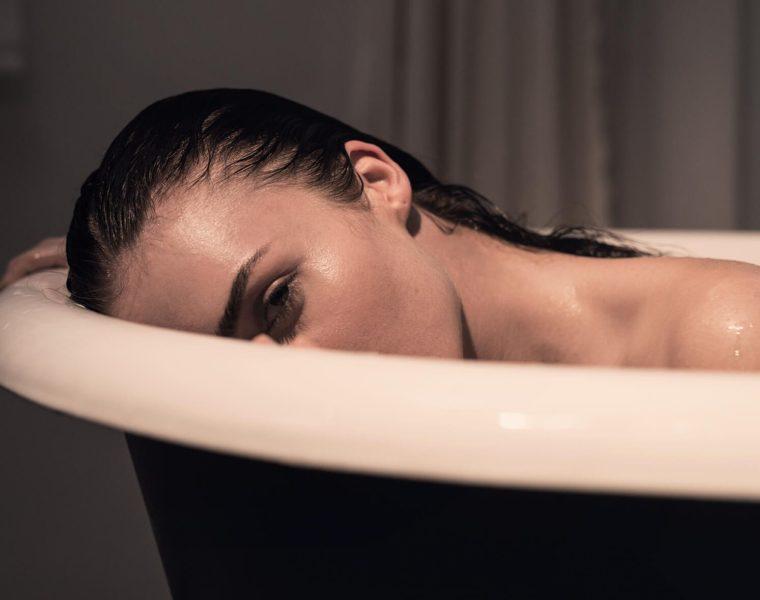 sex in the bath tub